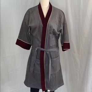 Vtg Michael Paige robe